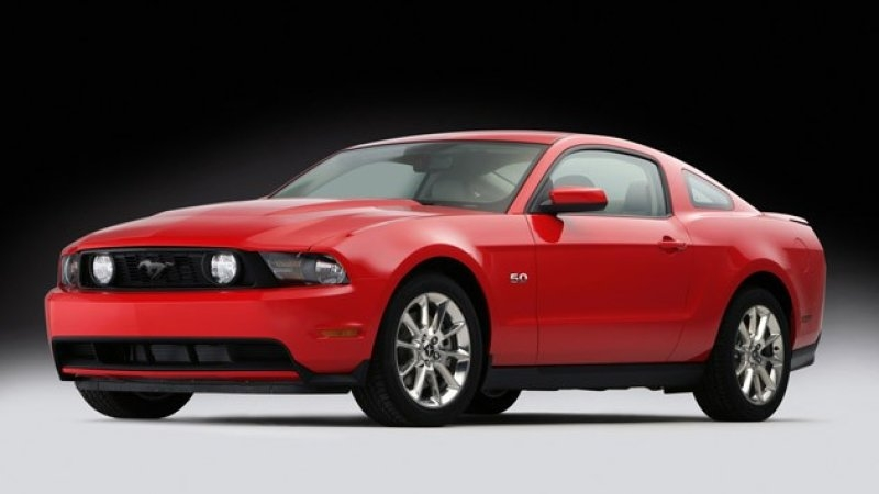 2011 ford mustang gt rocks out with 412 horsepower 26 mpg Ford Mustang Gt Horsepower