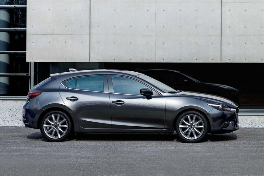 2018 mazda 3 hatchback review trims specs and price carbuzz Mazda Hatchback Review