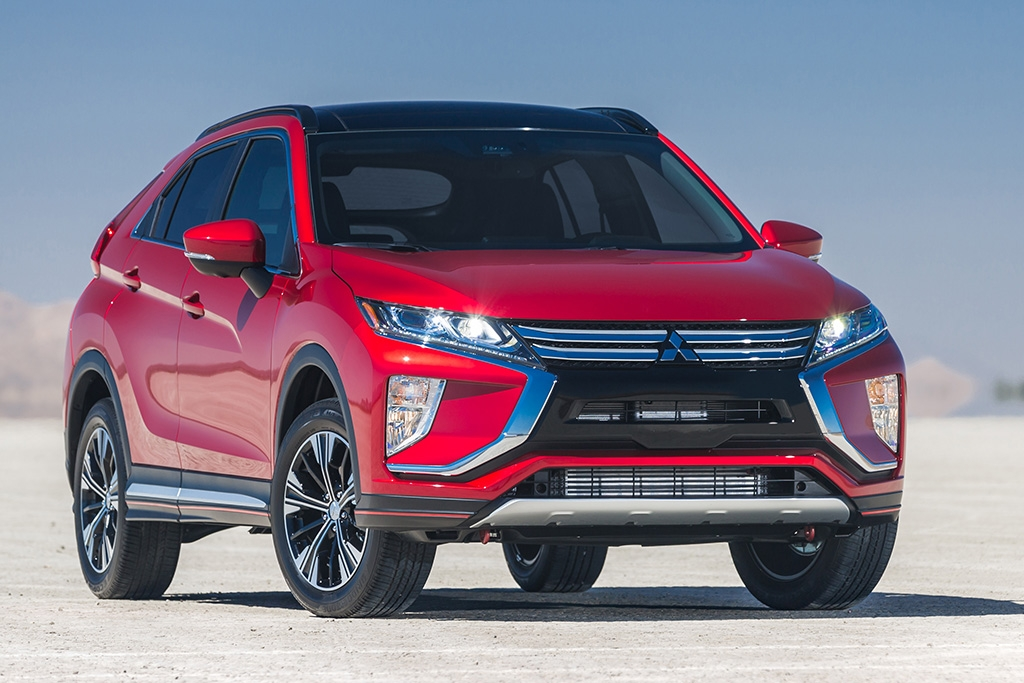 2018 mitsubishi eclipse cross new car review autotrader Mitsubishi Eclipse Cross Hybrid