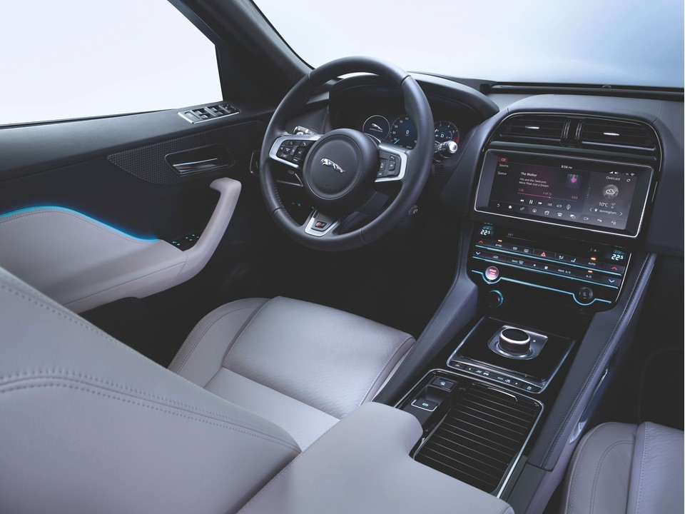 2020 jaguar f pace 82 interior photos us news world Jaguar F Pace Interior