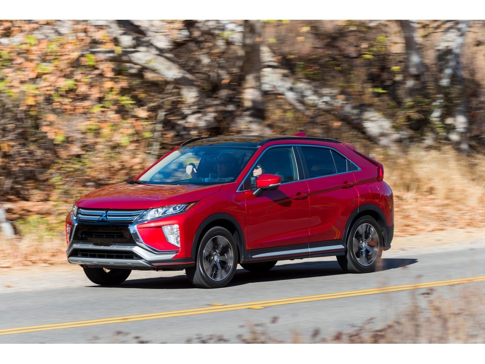2019 mitsubishi eclipse cross prices reviews and pictures Mitsubishi Eclipse Cross Hybrid