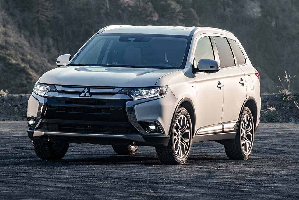 2019 mitsubishi outlander review autotrader Mitsubishi Outlander Review