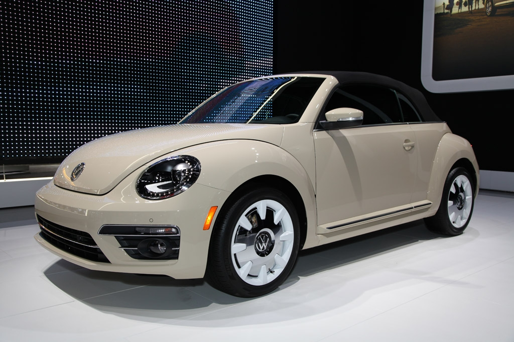 2019 volkswagen beetle final edition first look autotrader Volkswagen Beetle Final Edition