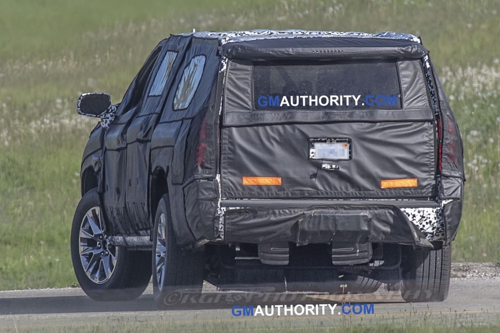 2020 suburban spied undergoing testing for the first time Chevrolet Suburban Spy Shots