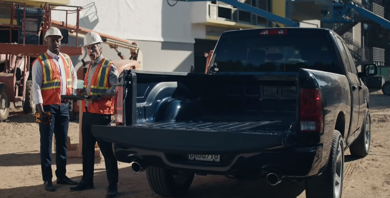 jaws and tailgates drop in the latest gmc sierra commercial Gmc New Tailgate Commercial