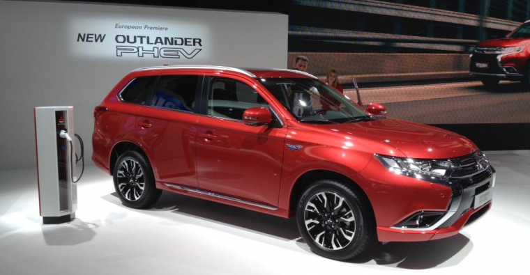 mitsubishi outlander phev us debut delayed yet again the Mitsubishi Outlander Phev Usa