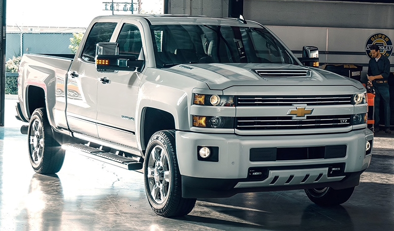new 2019 chevrolet silverado 1500 crew cab short box 4 wheel drive high country Chevrolet Pickup Truck