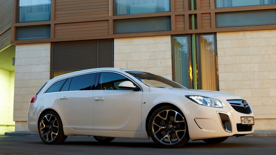 opel insignia opc sports tourer owners reviews with photos Opel Insignia Sports Tourer Opc