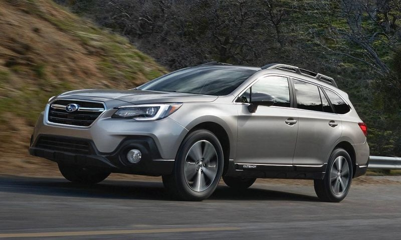 the 2018 subaru outback gets updated styling adds apple Subaru Outback Jalopnik