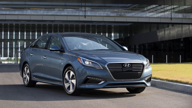 the hyundai sonata hybrid is a great cruiser but barely a Hyundai Sonata Jalopnik