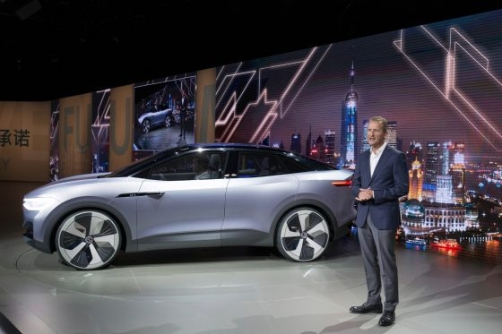 volkswagens id crozz the electric suv concept makes its Volkswagen Electric Suv