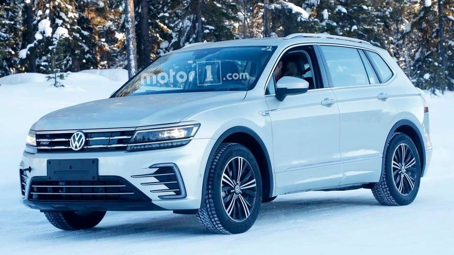 vw tiguan plug in hybrid spied without any camo whatsoever Volkswagen Hybrid Tiguan
