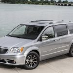2015 chrysler town country vs 2015 dodge grand caravan Dodge Town And Country