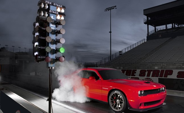 2015 dodge challenger hellcat runs 108 second 14 mile Dodge Challenger Hellcat Quarter Mile