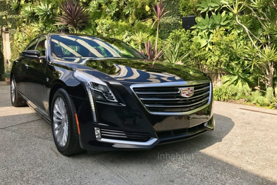 2017 cadillac ct6 plug in hybrid is a large green luxury sedan Cadillac Plug In Hybrid