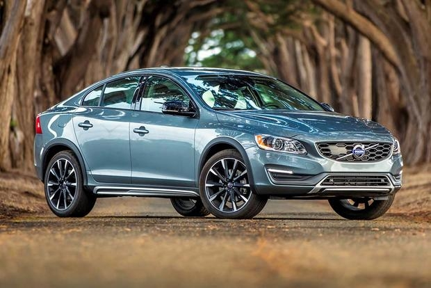 2018 volvo s60 cross country new car review autotrader Volvo S60 Ground Clearance
