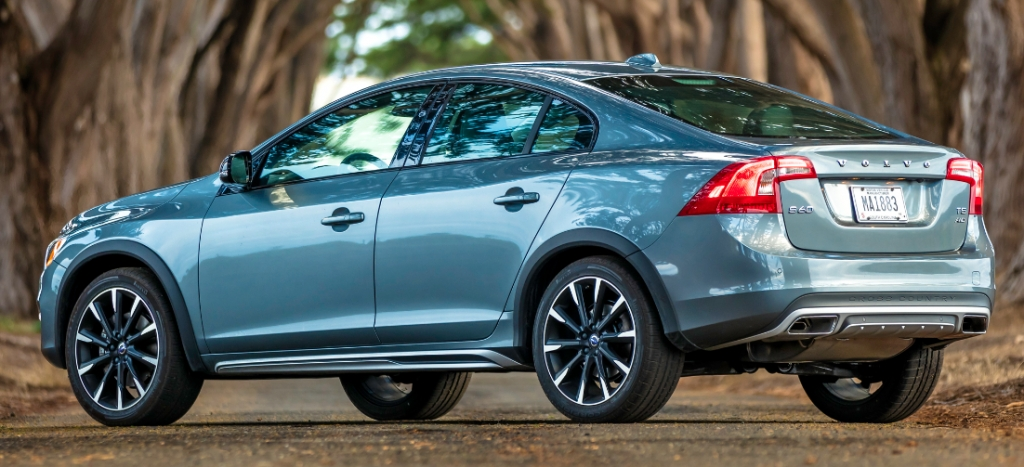 first spin 2016 volvo s60 cross country and s60 inscription Volvo S60 Ground Clearance
