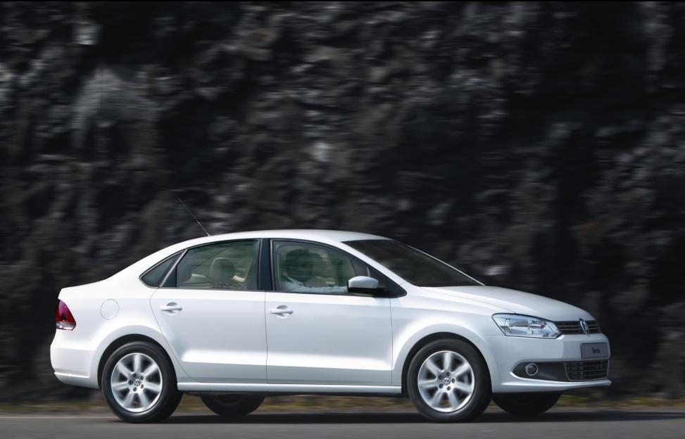 volkswagen unveils the new vento sedan in india Volkswagen Vento India