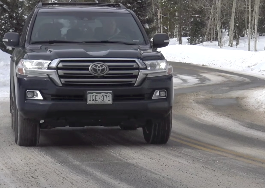 2017 toyota land cruiser has it lost its mojo range rover Toyota Land Cruiser Review