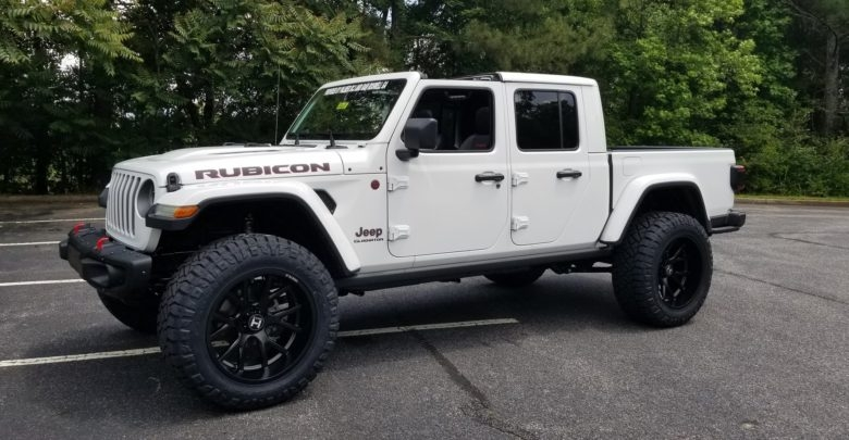jeep gladiators look awesome lifted 2020 jeep gladiator Jeep Gladiator Mopar Lift Kit