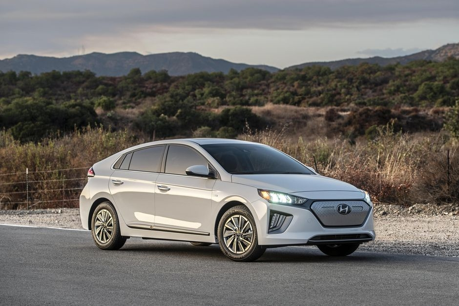 2020 hyundai ioniq electric goes farther but costs more Hyundai Ioniq Electric Range