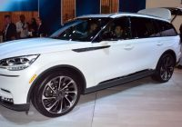 2020 lincoln aviator flies into audi q7 and volvo xc90 Lincoln Aviator Vs Volvo Xc90