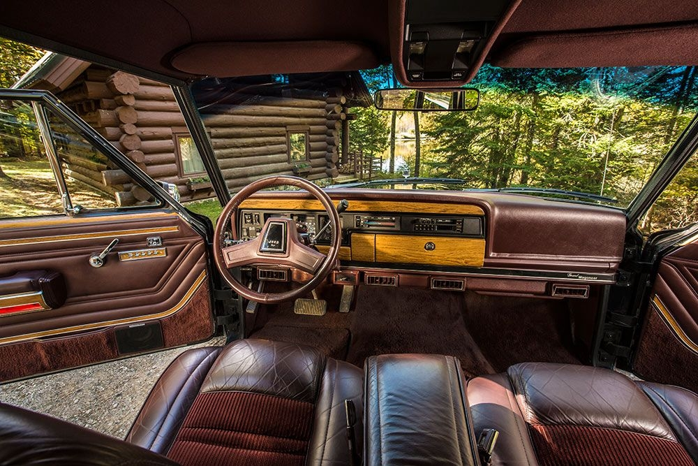 1991 jeep grand wagoneer corduroy and leather interior Jeep Grand Wagoneer Interior