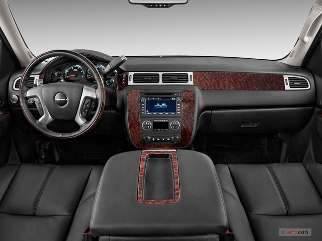 2011 gmc sierra hd 13 interior photos us news world Gmc Sierra Hd Interior