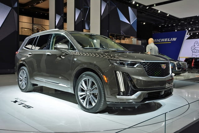 2020 cadillac xt6 revealed ahead of 2019 detroit auto show Cadillac Xt6 Release Date