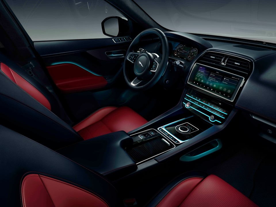2020 jaguar f pace 4 interior photos us news world report Jaguar FPace Interior