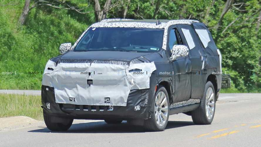 2021 chevy tahoe suburban to debut on december 10 Chevrolet Suburban Spy Shots