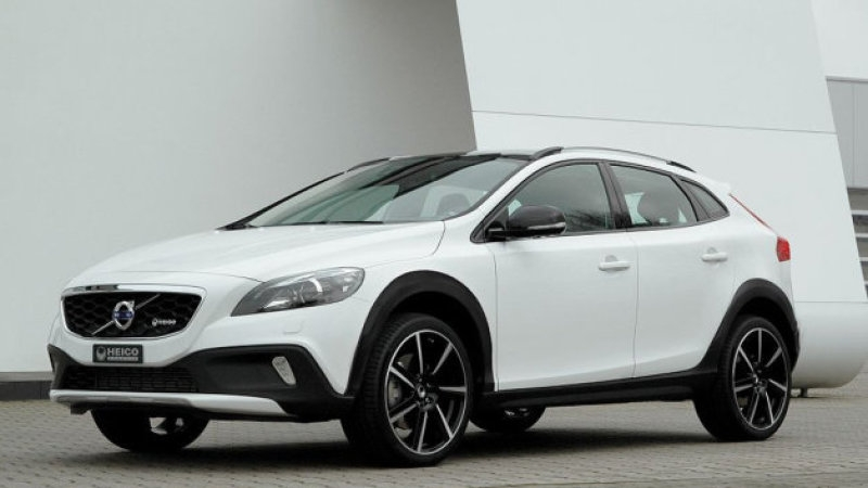 heico jacks up volvo v40 cross country to create xc40 autoblog Volvo V40 Cross Country