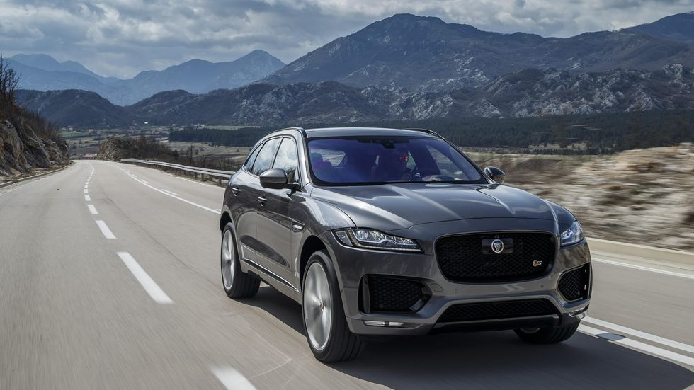 jaguar f pace a sexy suv you actually want to be seen in Jaguar F Pace Apple Carplay