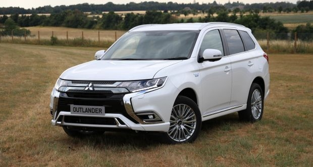 mitsubishi outlander phev plugging the gap between now and Mitsubishi Outlander Phev Range
