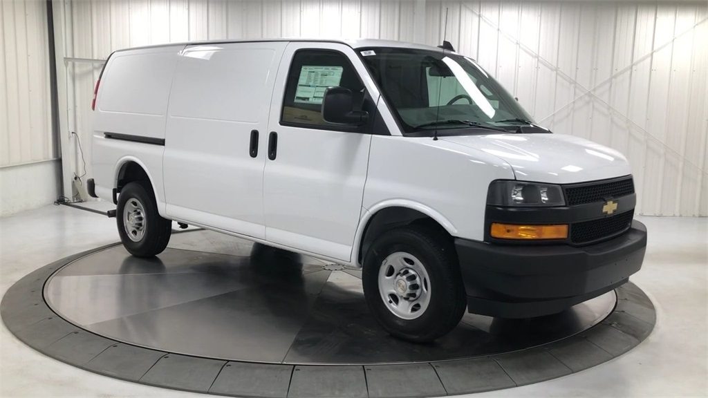 new 2020 chevrolet express 2500 work van rwd 3d cargo van Chevrolet Express 2500 Work Van