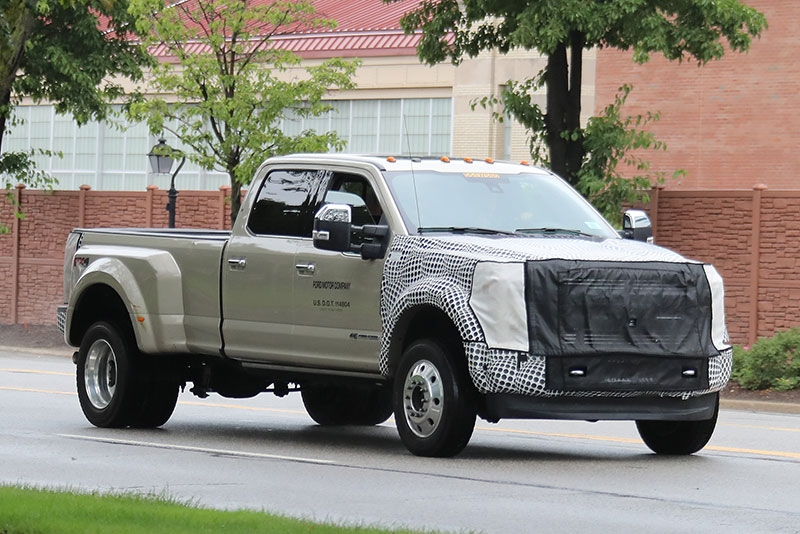 spy shots changes coming to 2019 ford super duty trucks Ford Super Duty Changes