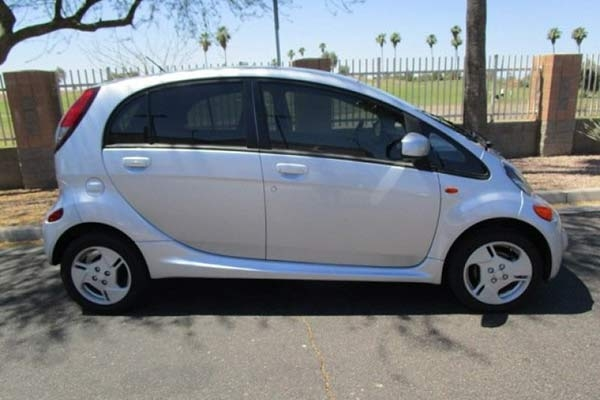 the mitsubishi i miev is the forgotten ultra cheap electric Mitsubishi Electric Car