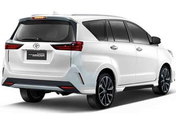toyota innova crysta facelift what itll look like cartoq Toyota Innova Crysta Facelift