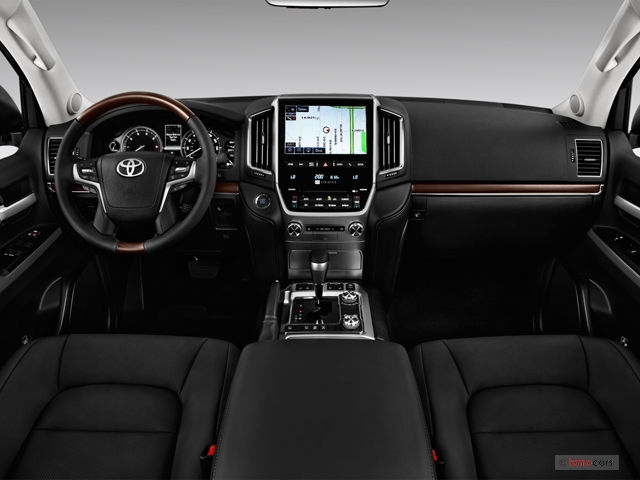 2018 toyota land cruiser 134 interior photos us news Toyota Land Cruiser Interior