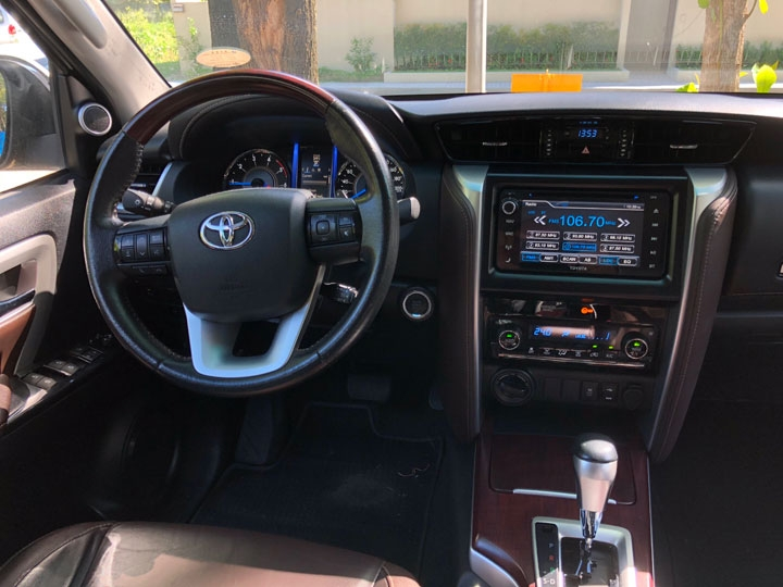 2018 toyota fortuner 28 v review price photos features Toyota Fortuner Interior
