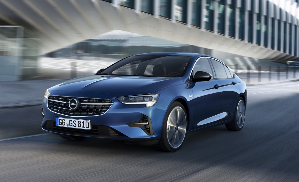 2020 opelvauxhall insignia facelift has new lights and Opel Insignia Facelift