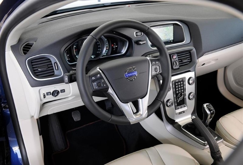2020 volvo v40 review interior price cross country usa Volvo V40 2020 Interior