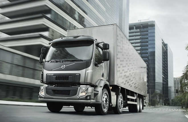 charged evs volvo to demonstrate electric trucks with an Volvo Electric Truck 2020