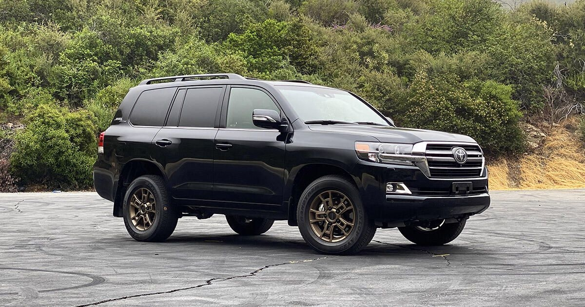 2020 toyota land cruiser review the old guard still has it Toyota Land Cruiser 2020 Review Exterior and Interior