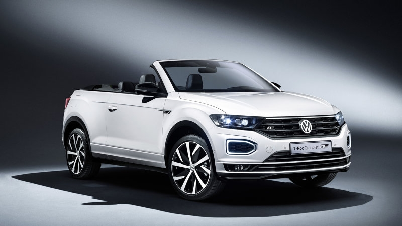 New vw t roc crossover is getting a convertible version autoblog Volkswagen Cabriolet 2020 Engine