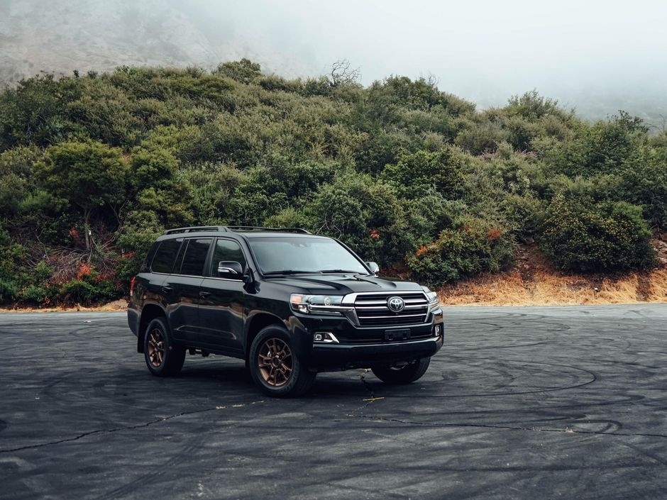Newest 2020 toyota land cruiser review the old guard still has it Toyota Land Cruiser 2020 Review Interior