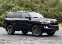 2021 toyota land cruiser review the old guard still has it Toyota Land Cruiser 2021 Price Wallpaper