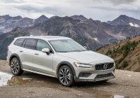 2021 volvo v60 cross country makes friends bucking Volvo Cross Country 2021